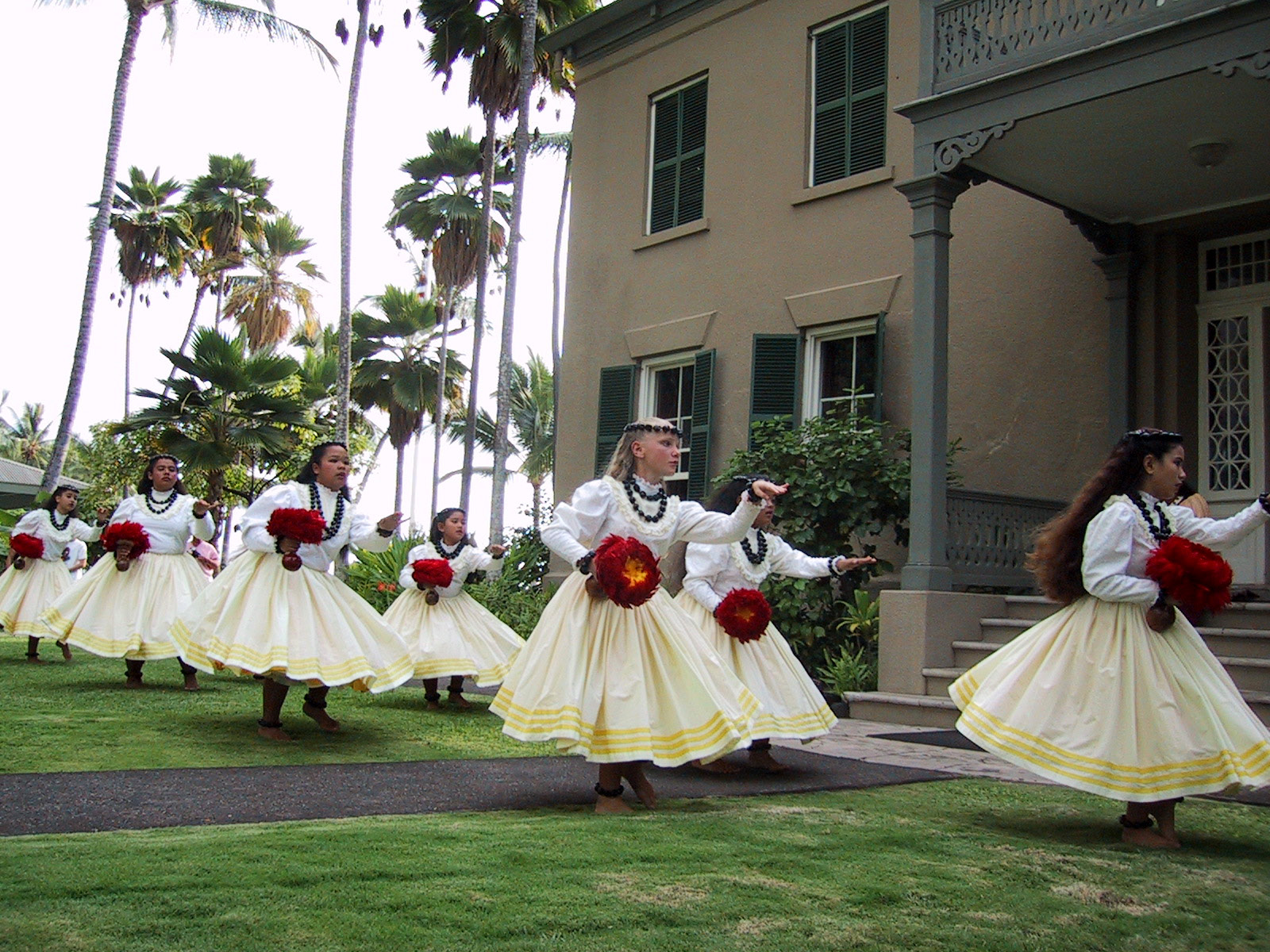 The Halau Practicing out front